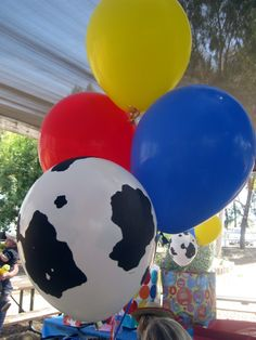 Jessie the Cowgirl themed balloons. Toy Story Theme, Toy Story Party, Toy Story Birthday, Baby Girl Birthday, 2nd Birthday, Cumple Toy Story, Festa Toy Story, 2 Year Old Birthday Party, 4th Birthday Parties