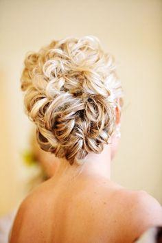gorgeous wedding hair!