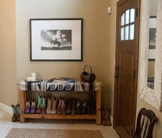 Interior traditional entryway table design combined with boot storage behind the door for saving shoe rack . Build Shoe Storage, Shoe Storage Bench Entryway, Boot Storage, Entryway Decor, Entry Bench, Shoe Bench, Entryway Ideas, Small Storage, Bedroom Decor