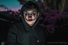 Hello everybody Hope that  you like it Also comment what do you think and repost if you want  . . . . . #photography #canon#canoncam #photographylover #photographer #portrait #portraitphoto #portraitphotographer #vsco #vscocam #guy #tumblrboy #it #pennywise #itmovie #itmakeup #halloween #halloweencostume #makeup #outfit #retrato #artisticmakeup #sunset #darkphotography #fotografia #eyes #clown #clownmakeup #igerworld #art