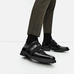 BLACK LEATHER SHOES WITH ELASTICS