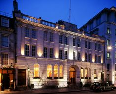 Courthouse Hotel is a perfect wedding venue in Soho, Greater London #weddingvenuegreaterlondon