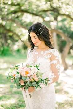 Moroccan Dreams Inspired Bridal Shoot | The Perfect Palette Rose Wedding, Floral Wedding, Wedding Colors, Wedding Bouquets, Bridal Session, Bridal Shoot, Groom Style, Portrait Inspiration, Bridal Portraits