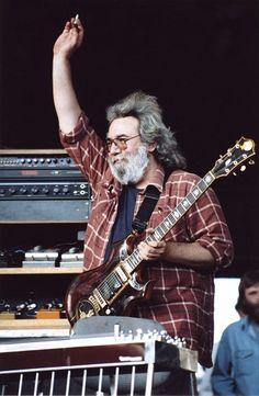 Jerry Garcia accepting praise from the fans