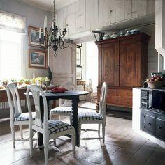 Bilden visar Gransholms herrgårds kök i gammal stil.