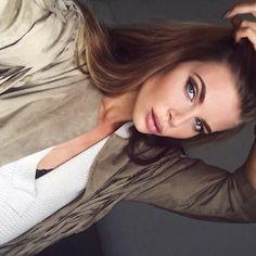 Image via We Heart It #blueeyes #girl #makeup