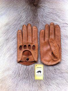 dc814c33c8 Il sagit dune conduite de gants en cuir de pécari, cest un nouveau modèle  pour