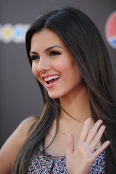 victoria justice - i actually think she looks a bit like me. :)