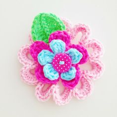 Crochet Flower Brooch (Free pattern)