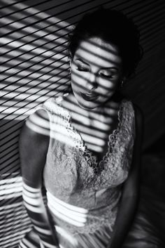 Editorial Foto Tiago Neto Modelo Leticia  Vestido Julia Parker Grinalda Diana Benchimol Maquiagem Mary Saavedra