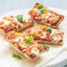 A Food, Good Food, Yummy Food, Daily Meals, Food Humor, Hawaiian Pizza, Lunches, Vegetable Pizza, Bread Recipes