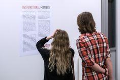 Expositie Dysfunctional Matters toont readymades die alledaagse objecten uit hun context halen © Geert Fotografeert / Corrosia Stad