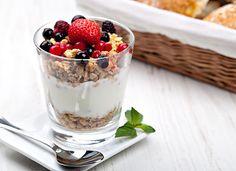 Berries 'n Cream Parfait Recipe- An easy, delicious combo of fresh berries, yogurt and Sweet Home Farm French Vanilla Granola! Fruit And Yogurt Parfait, Yogurt And Granola, Granola Cereal, Frozen Desserts, Summer Desserts, Vegan Desserts, Yummy Snacks, Healthy Snacks, Healthy Eating