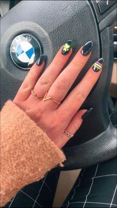 Acrylic Nail Designs Coffin, Simple Acrylic Nails, Best Acrylic Nails, Ladybug Nail Art, Ladybug E Catnoir, Short Nail Manicure, Gel Nails, Cute Nails, Pretty Nails