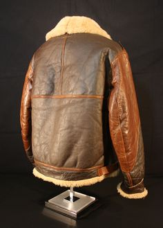 WWII Uniforms - Flight Gear 1943 Leather Flight Jacket, Leather Jackets, American Crew, Ww2 Planes, Silver Wings, Clark Gable, Extension Cord, Aeroplanes, Bomber Jackets