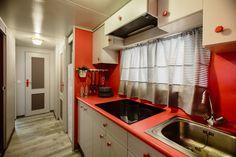 Mobil Homes en alquiler en el camping situado en primera línea de mar, en la Costa Dorada. Cinque Terre, Kitchen Cabinets, Home Decor, Beach Feet, Decoration Home, Room Decor, Cabinets, Home Interior Design, Dressers