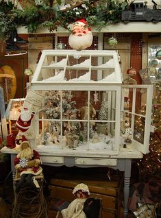New Uses for Discarded or Recycled Windows - Greenhouse Made from Discarded Old Windows by Between Naps on the Porch. Noel Christmas, Country Christmas, Christmas Projects, Winter Christmas, All Things Christmas, Holiday Crafts, Vintage Christmas, Christmas Ornaments, Holiday Decor