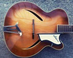 Beautiful 1961/62 Sinfonia archtop jazz guitar from ex-DDR  www.musicexpress.it
