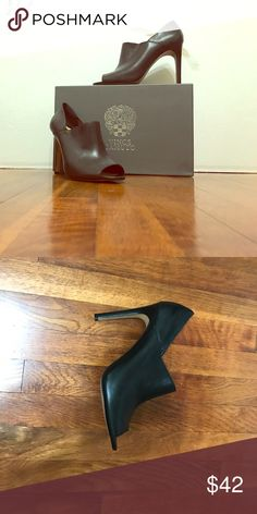 VINCE CAMUTO Shoe Style: Kamille                                                                 Color: Black                                                                               Material: Leather                                                                    Size:8.5 Vince Camuto Shoes Heels
