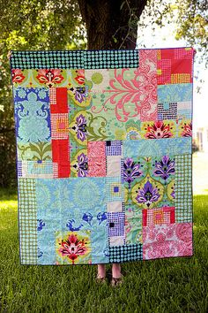 Abigail's Quilt by Meredith Daniel, via Flickr. Love Amy Butler this would be a greasy, easy first quilt to make or just a quickie for the pros