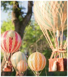 Balões são ótimos itens decorativos para deixar a festa mais alegre e divertida. Acesse o blog Organizando Eventos e confira 21 ideias de decoração com balões!
