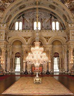 #diniresimler #islamiprofilresimleri Ottoman Empire, Urban Design, High Quality Images, Trip Planning, Awesome, Amazing, 19th Century, Palace, Architecture Design