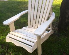 DIY Adirondack Chair Plans - Simple Plans for a Comfortable, Beautiful and Inexpensive Patio, Backyard, or Fire Pit Chair Log Chairs, Fire Pit Chairs, Outdoor Chairs, Outdoor Furniture, Outdoor Decor, Modern Planters, Wood Planters, Inexpensive Patio, Modern Birdhouses
