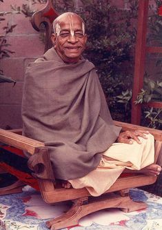 By Mayapur Sasi dasa For the pleasure of Srila Prabhupada this report contains the following North American results of book distribution for the month of December 2017. North American Totals, Monthly Temples, Monthly Weekend Warriors. Monthly Top 100 Individuals, Monthly Top 5, Cumulative Countries, Cumulative Temples, Cumulative Top 100 Individuals, Cumulative Top 5 God Pictures, Rare Pictures, Saints Of India, Iskcon Krishna, Indiana, Vegan Books, Srila Prabhupada, Bhakti Yoga, Hindu Mantras