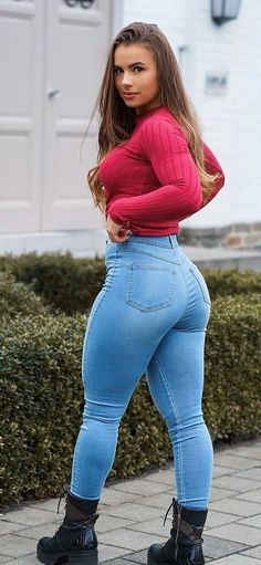 Superenge Jeans, Sexy Jeans, Jeans And Boots, Skinny Jeans, Blue Jeans, Love Is In The Air, Curvy Outfits, Sexy Outfits, Girls Jeans