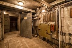 Un ancien bunker intact, situé en plein coeur de Paris, caché sous les voies 2 et 3 de la gare de l'Est