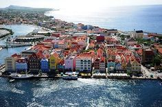 Willemstad, Awsome Pictures, Kingdom Of The Netherlands, Island Life, Beautiful Islands, Vacation Destinations, Adventure Travel, Caribbean, Places To Visit