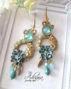 No photo description available. Indian Jewelry Earrings, Soutache Earrings, Tassel Jewelry, Fabric Jewelry, Bridal Earrings, Beaded Earrings, Earrings Handmade, Jewelry Art, Handmade Jewelry