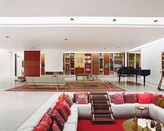 Eero Saarinen Sunken lounge.  want something like this in living or family area