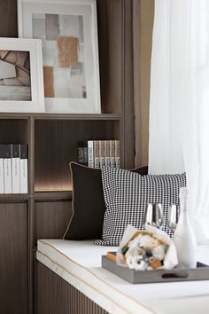 Minimalist living room decorating ideas is no question important for your home. whether you pick the minimalist living room singapore or minimalist Elegant Home Decor, Elegant Homes, Cheap Home Decor, Modern Decor, Home Decor Bedroom, Living Room Decor, Minimalist Living, New Furniture, Furniture Stores