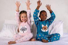 Adorable super soft fox pajama's Girls Pyjamas, Kids Robes, Old T Shirts, Boy Blue, Cotton Pants, Mini Me, Baby Wearing, Pink Girl, Soft Fabrics