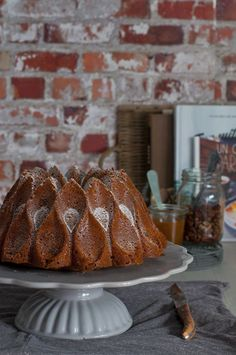 Receta de bundt cake de café y nueces, muy fácil de hacer, con ingredientes sencillos y en poco más de una hora tendrás un bizcocho delicioso.
