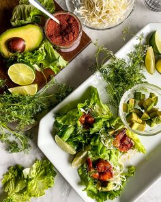 Butter Lettuce Wrapped Shrimp Tacos @bewellbykelly Shrimp Taco Recipes, Shrimp Tacos, Yummy Smoothie Recipes, Primal Kitchen, Chicken And Shrimp, Easy Weeknight Meals, Eating Clean, Healthy Cooking, Lettuce