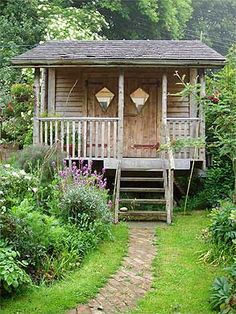 Little House . little guest house, little studio, little garden shed . how many outbuildings can ihave again? Tiny Cabins, Cabins And Cottages, She Sheds, Garden Buildings, Tiny Spaces, Tiny House Living, Cozy Cottage, Cabins In The Woods, Log Homes