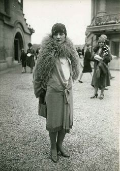 Series of 1920s French fashion postcards in the style of the Seeberger brothers, mid-to-second half of the decade, showing fashionable day wear.