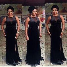 black Aso Ebi Styles for Wedding Guests - Reny styles Latest Aso Ebi Styles, Trendy Ankara Styles, Ankara Gown Styles, Sishweshwe Dresses, Fashion Dresses, Fashion Styles, Party Dresses, African Wear, African Fashion