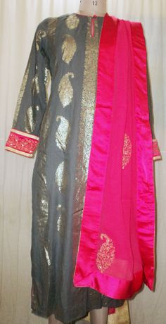 Fabulous Combination of Winter Grey and Fuchsia....Exclusive Gold Paisley Printed Winter Grey Kurta