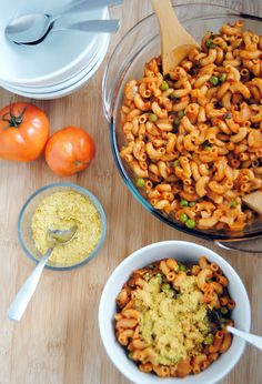 Your Mom's A Vegan: Vegan MoFo, Day 19: Macaroni and Tomato Sauce