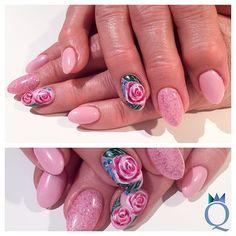 #almondnails #lightrose #glitter #gelnails #nails #handpainted #nailart #mandelform #hellrosa #glitzer #gelnägel #nägel #handgezeichnet #nagelkunst #nailqueen_janine #nagelstudio #möhlin