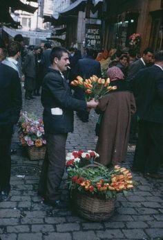 Flower seller, Galata, Istanbul, 1965 http://www.hocam.com/forum/210543/1/larda_istanbul/