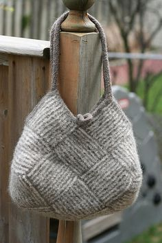 Ravelry: Project Gallery for Garter Stripe Square Bag pattern by Ishi-knit Scroll down at link for pattern in English