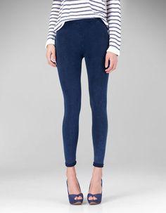 STRADIVARIUS: getry stylizowane na dżinsowe