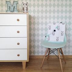 DSR of DSW designstoel mint Eames, Mint, Chair Design, Baby Room, Your Favorite, Table, Instagram Posts, Furniture, Home Decor