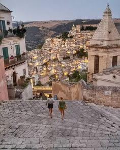 in Italy: Best of Italy Tour from Rome 5 Tage in Italien: Best of Italy Tour ab Rom Traveling To Italy Oh The Places You'll Go, Places To Travel, Travel Destinations, Places To Visit, Dream Vacations, Vacation Spots, Best Of Italy, Voyage Europe, Italy Tours