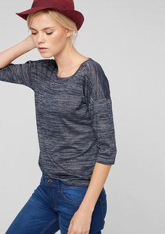 T-Shirt mit 3/4-Arm Melierte Optik. Weiter Rundhalsausschnitt. Dekorative Knöpfe an den Schultern. 3/4-Ärmel mit überschnittener Schulter. Leicht verlängertes Rückenteil mit abgerundetem Saum. Lockere Passform; Rückenlänge bei Größe 36 ca. 59 cm. Weicher Viskose-Mix. Das lässig geschnittene Shirt kommt mit raffinierten Details und sorgt für einen spannenden Look..  Materialzusammensetzung:Oberm...