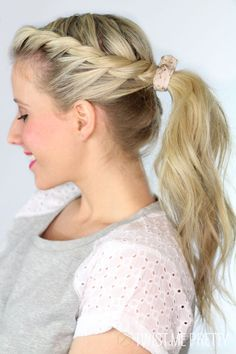 Get this gorgeous ponytail in five minutes or less!!  Easy video tutorial tutorial at twistmepretty.com